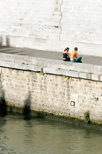 Conversing by Senne © Dennis Mojado