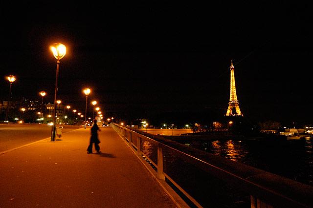 Eiffel Street © Dennis Mojado