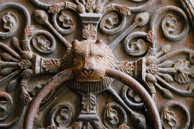 Notre Dame Door © Dennis Mojado