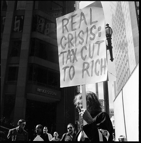 The Real Crisis © Dennis Mojado