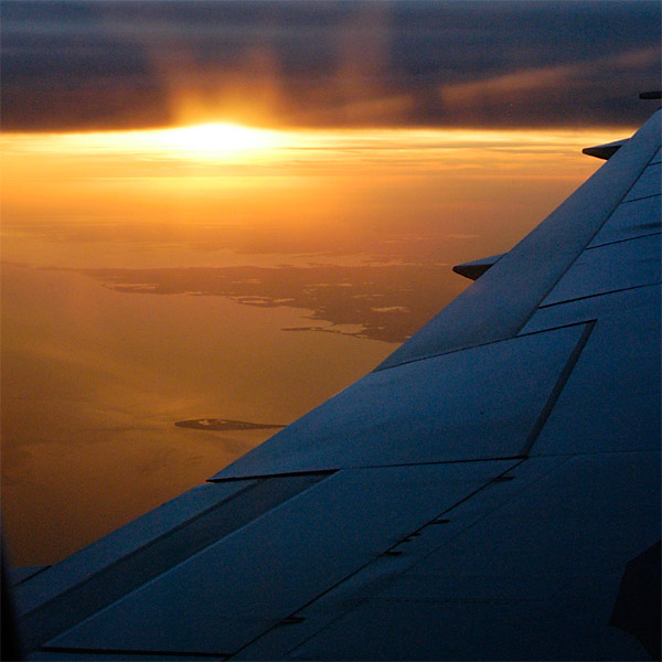 Reverse Sunset © Dennis Mojado