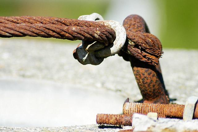 Rusted Cable © Dennis Mojado