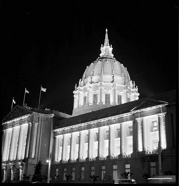 SF City Hall at Night © Dennis Mojado