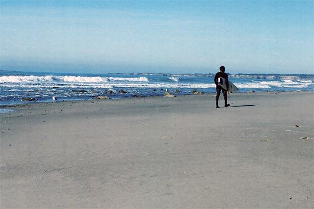 Surfer II © Dennis Mojado