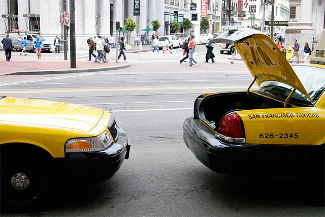 Taxis © Dennis Mojado