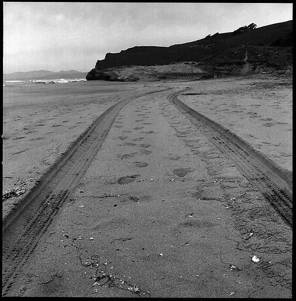 Sand Tracks © Dennis Mojado