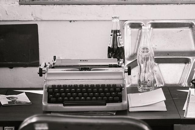 80s Typewriter © Dennis Mojado