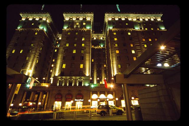 Hotel © Dennis Mojado
