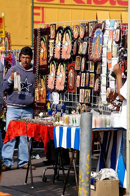 Vendors © Dennis Mojado