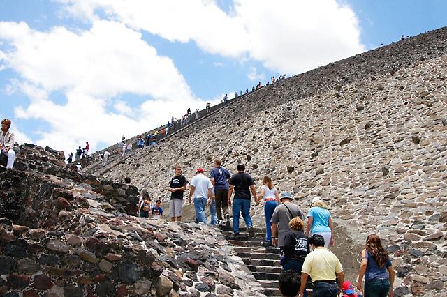 Wall of Rock(s) © Dennis Mojado