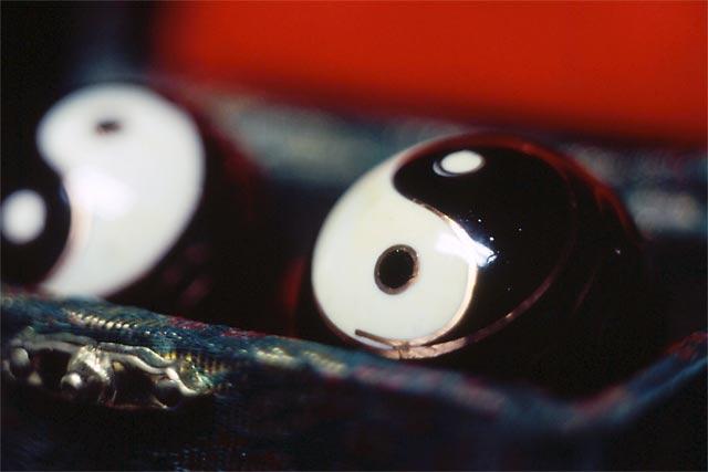 Yin-Yang Balls © Dennis Mojado